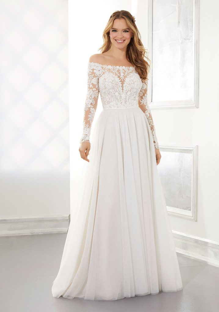 Long-sleeved A-line wedding dress