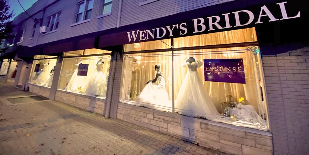 Wendys' Bridal Cincinnati store window at night