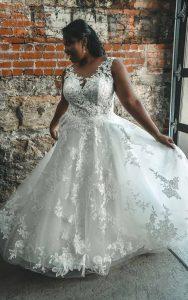 Plus-Size sleeveless A-line-Wedding Dress