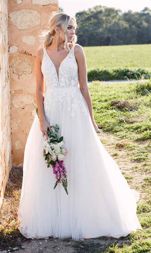 Sleeveless Boho wedding dress by Essense of Australia