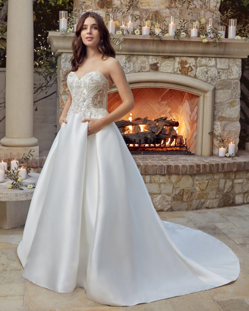 Classic straplesss A-line bridal gown