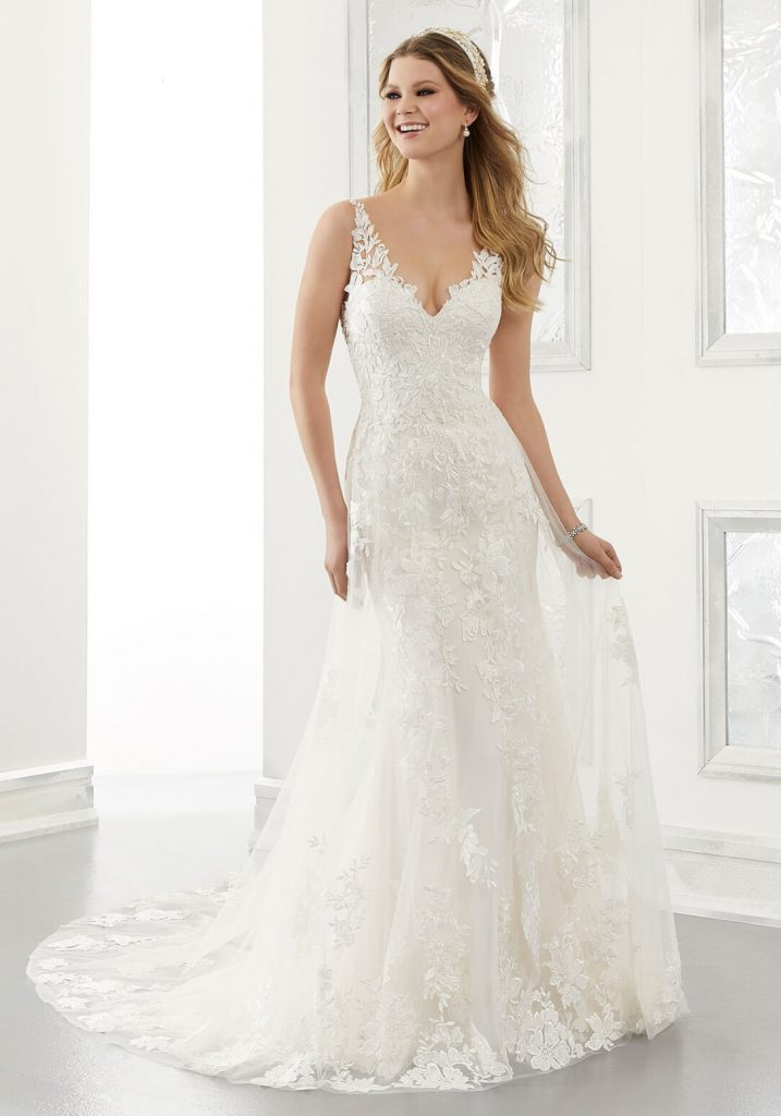 Sleeveless lace bridal gown