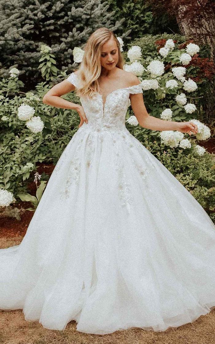 wedding-dress-off-shoulder-ballgown-Essense-D3245