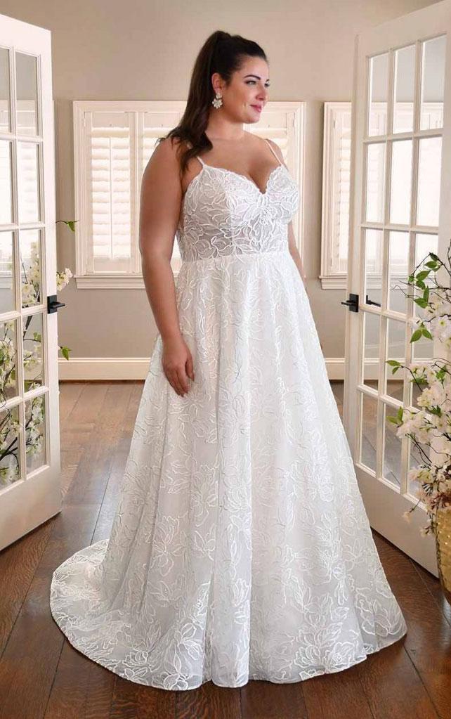 wedding-dress-plus-size-sleeveless-a-line-Essense-3311
