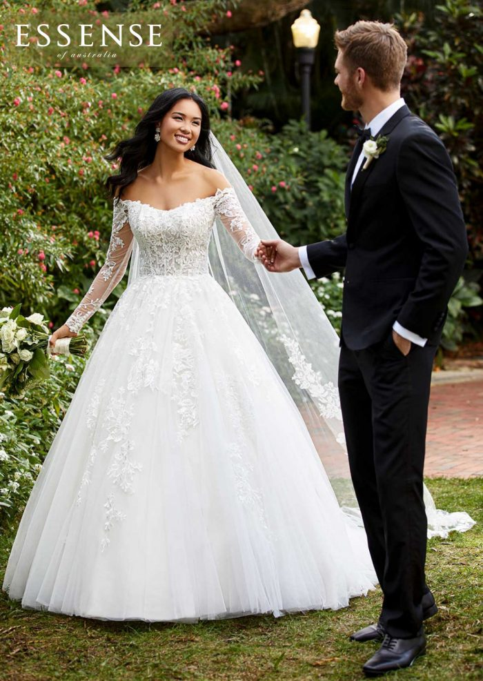 Beautiful Ballgown Wedding Dress with Off-The-Shoulder Long Lace Sleeves