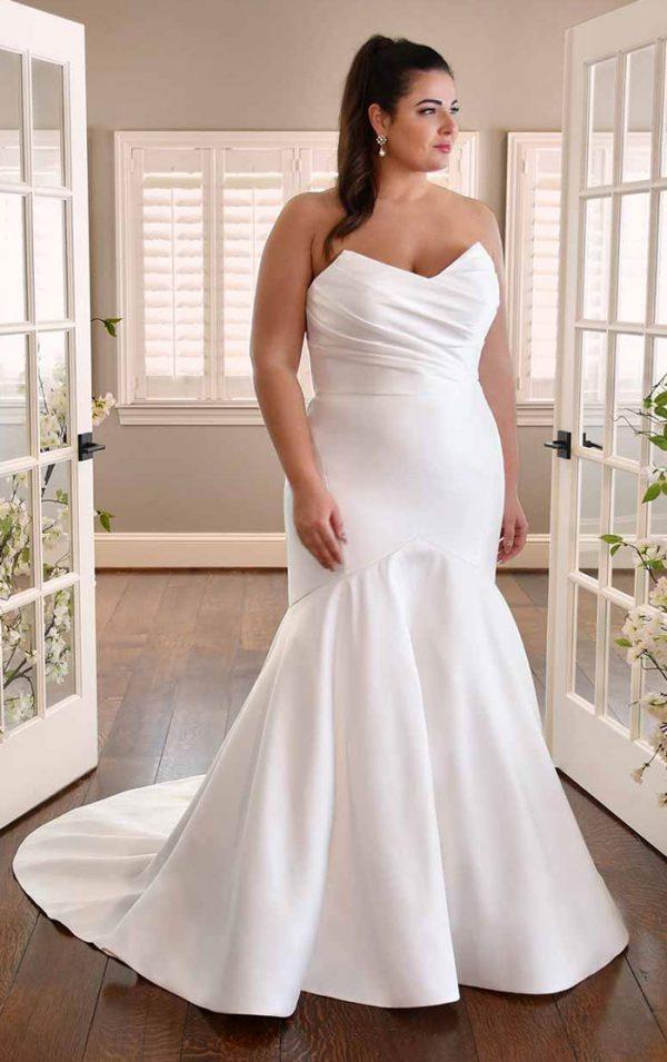 wedding-dress-plus-size-strapless-fit-flare-Essense-D3340