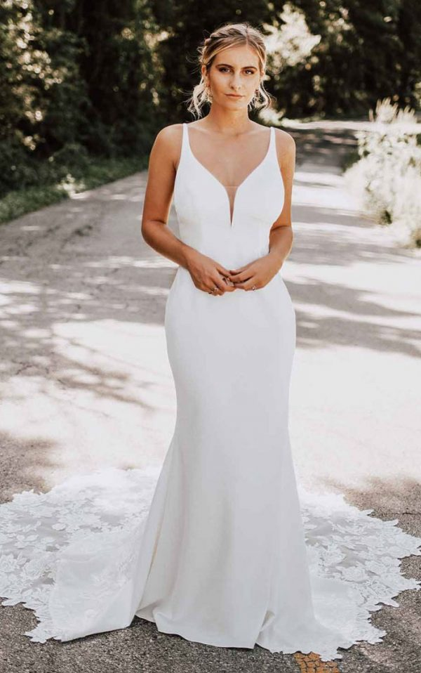 wedding-dress-sleeveless-fit-flare-Essense-D3112